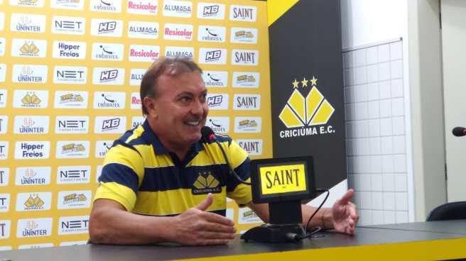 João-Carlos-Maringá-foto-Tiago-Monte-DN