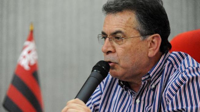 diretor-executivo-de-futebol-o-flamengo-paulo-pelaipe-concede-entrevista-na-sede-do-clube-na-gavea-1382987849245_v2_900x506.jpg